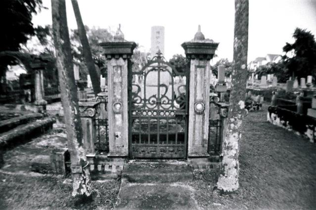 Fences or gates were reserved for the more prominent graves