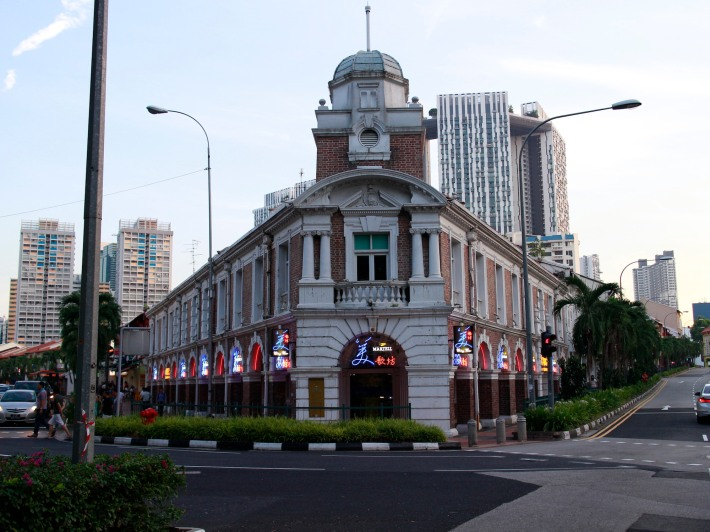 The former Jinrikisha Station sits comfortably at the junction of Neil and Tanjong Pagar Road