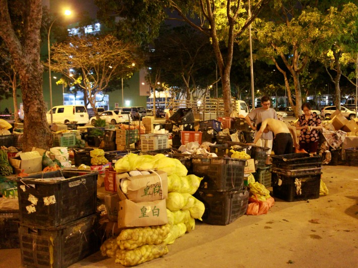 The hawkers usually arrive at around 10pm to unload and sort out goods