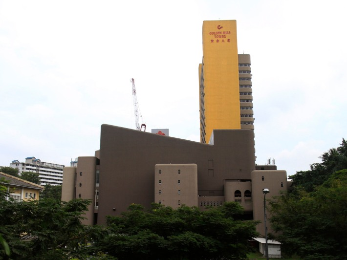 View of The 24-storey Golden Mile Tower from Nicoll Highway Bridge.