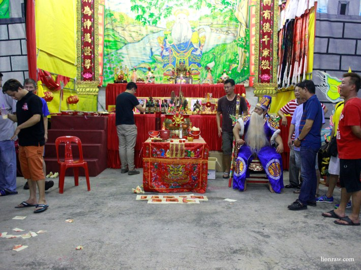 At the far right, a dragon chair is placed for the gods to sit.