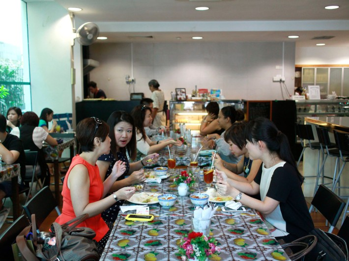 Decorated in a no-fuss homestyle design, Mary's Kafe draws in the crowds at lunchtime on weekdays.