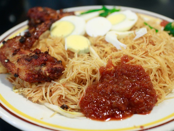 A hot favourite amongst the crowd is mee siam. Come too late and it'll probably be completely sold out!