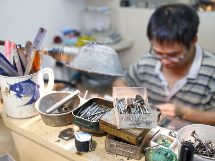 With what looks like the most basic of tools, Mr Yeo is perhaps the most skilled ring maker in Singapore today, with many top shops seeking his resizing services.